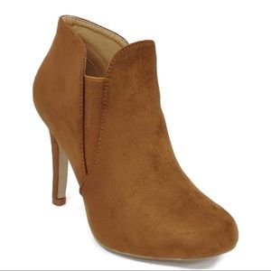 Round Toe Elastic Cut Out Stiletto Booties